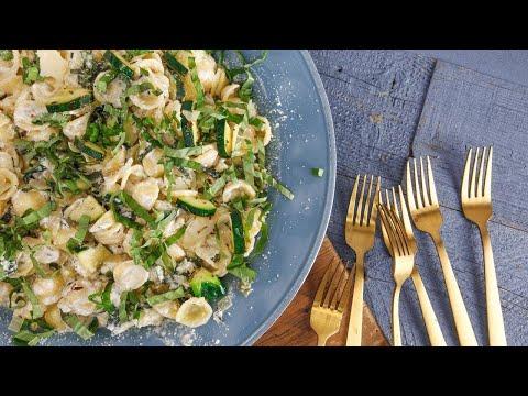 rachael's-cool-as-a-zucchini-pasta