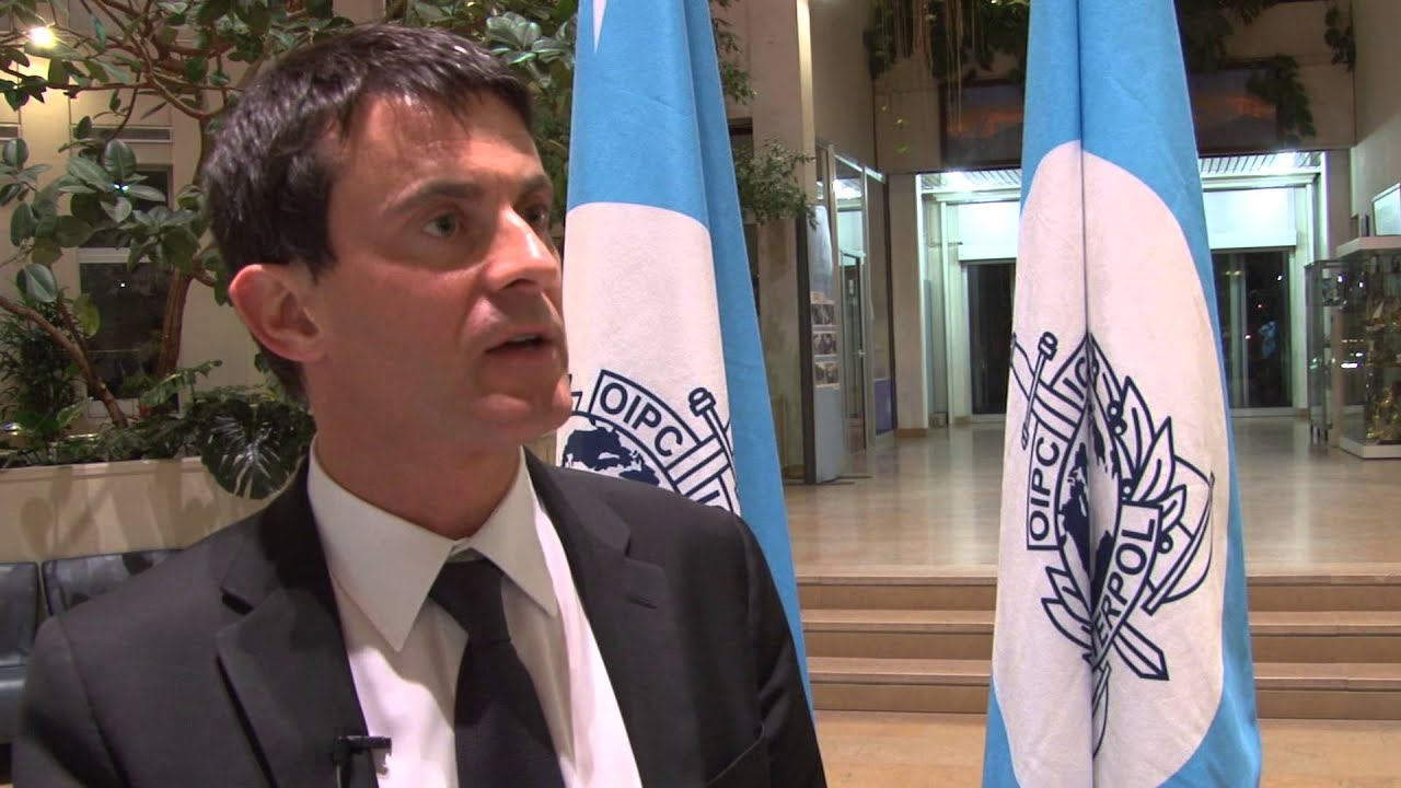 Manuel Valls, Ministre de I\'Intérieur français - YouTube