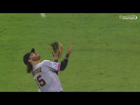 SF@SD: Crawford retreats for over-the-shoulder grab