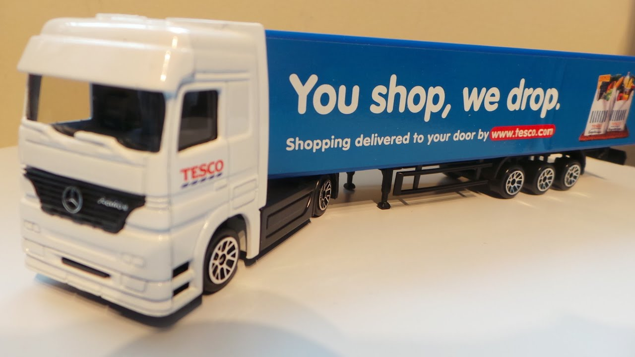 360 view and unboxing of die cast tesco mercedes benz for Mercedes benz truck toys