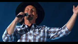 Garth Brooks Tells Greatest Story of His Career + Talks Tour Changes