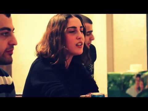 Девушка красиво поет на грузинском