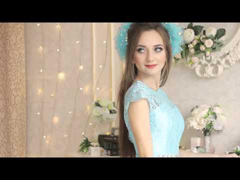 Синее или белое? Звёзды тоже обсуждают платье, которое