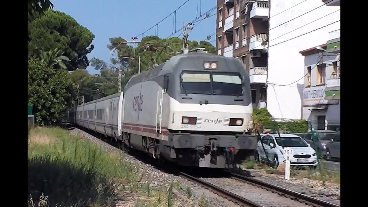 Renfe trains in salou station spain youtube for Oficinas de renfe en madrid