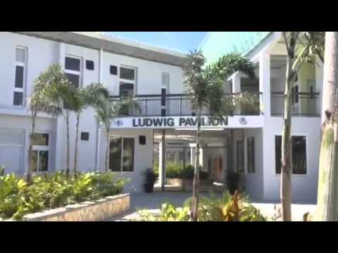 Gheskio tb hospital port au prince haiti youtube for Canape vert hospital haiti
