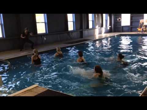 Aqua Zumba shake it off