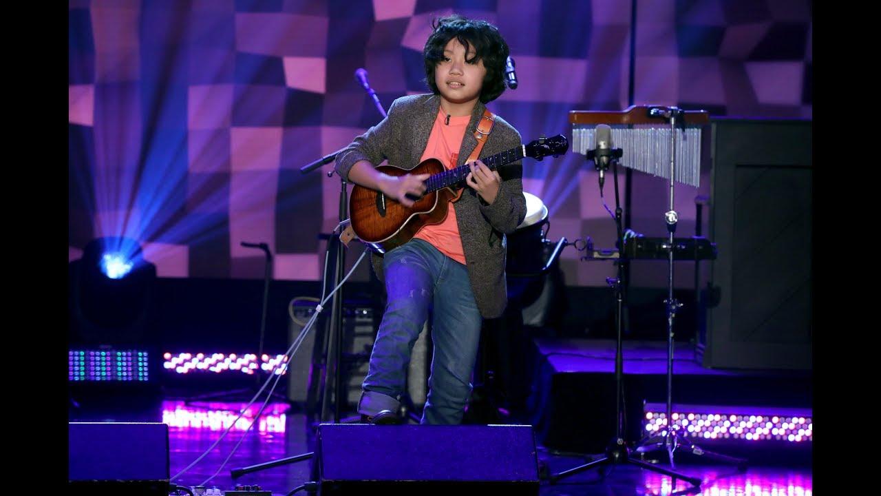 Talented Kid Ukulele Prodigy Feng E Takes the Stage