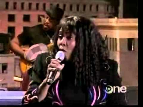 Betty Wright Clean up Woman live