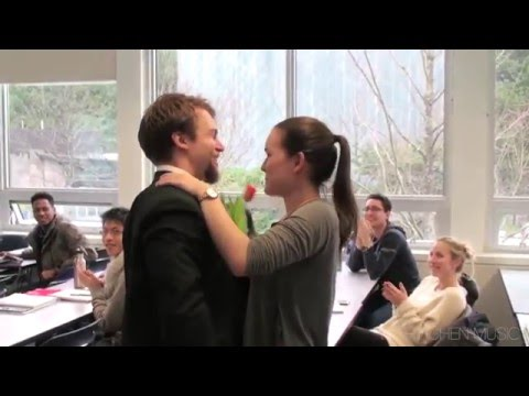 ☺ Surprise Valentine's Serenade to Beautiful University Girls