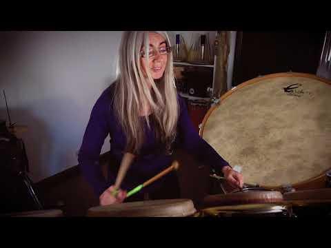 Evelyn Glennie improvisation on Drums
