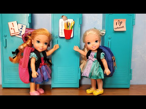 New School year ! Elsa & Anna toddlers are not in the same class - Barbie - new teachers  & students