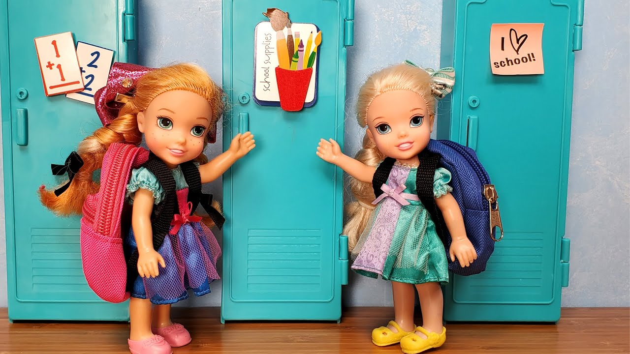 New School Year Elsa Anna Toddlers Are Not In The Same Class Barbie New Teachers Students Youtube
