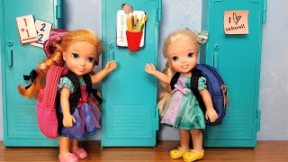 New School year ! Elsa & Anna toddlers are not in the same class  Barbie  new teachers  & students