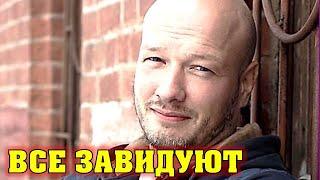 Сын красавец, а Жена всем на зависть: ослепительная красотка жена актера Никиты Панфилова