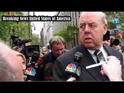 Trump shakes up his legal defense team with John Dowd's resignation .