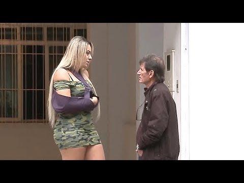 "Loira Empolga Marmanjo Ao Pedir Para ""lavar A Periquita"""