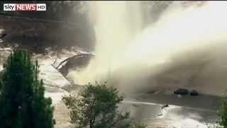 Burst Water Main Closes LA