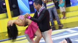 Roberto Acosta cumple su sueño de bailar bachata, mira con quién lo hizo