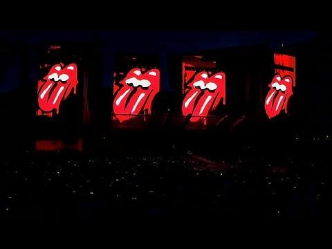 شاهد: مايك جاغر يعود إلى المسرح مع ذا رولينغ ستونز بعد جراحة في القلب …  - 07:53-2019 / 6 / 23