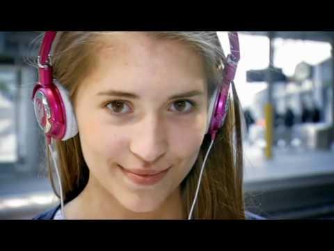 Ein Spaziergang mit ihr | Pickup INFIELD deutsch von YouTube · Dauer:  5 Minuten 7 Sekunden