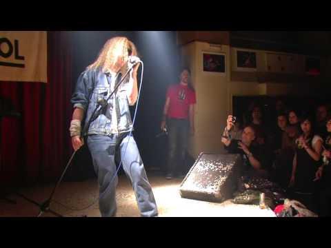 """Manolito Metal canta """"Runaway"""" en AK Madrid Enero 2009"""