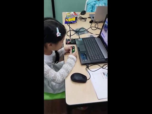 ค่ายนักประดิษฐ์ เพื่อเรียนรู้เทคโนโลยีหุ่นยนต์พื้นฐาน