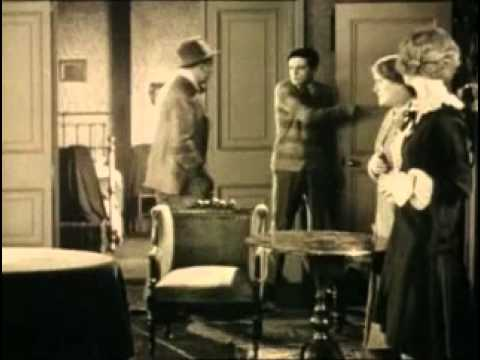 The Lodger: A Story Of The London Fog (1927) Alfred Hitchcock