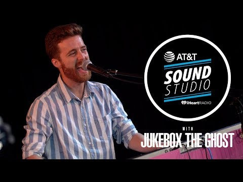 Jukebox The Ghost Performs 'Everybody's...