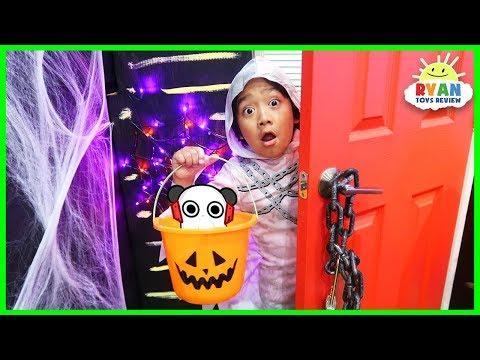 Ryan Trick or Treat in Halloween Box Fort Maze!!!