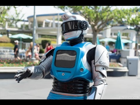 iCan Robot in Tomorrowland
