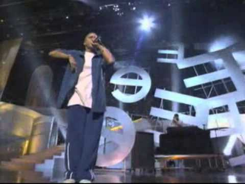 Eminem - Without Me - MTV Movie Awards (2002)