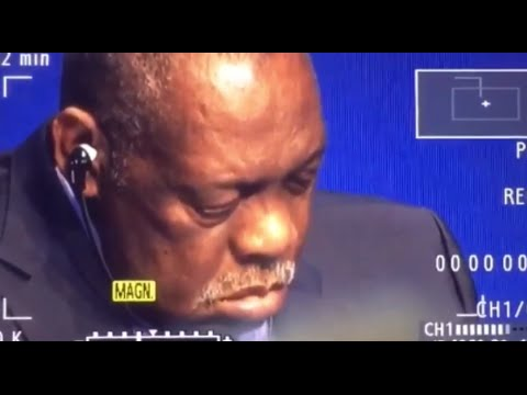 Funny : Issa Hayatou has just fallen asleep in a Press Conference