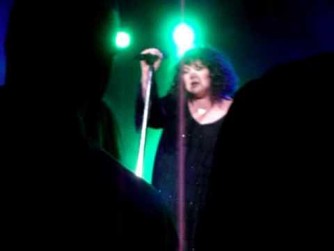 "HEART Ann & Nancy Wilson LIVE ""Going To California"" 5-16-09 NIAGARA FALLS, NY"