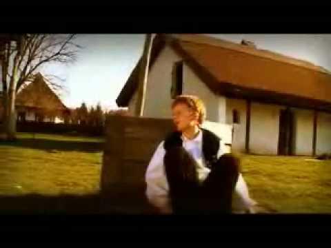 Hungarian folk song - A csitári hegyek alatt
