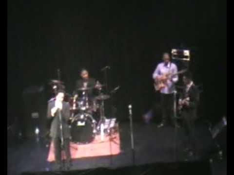 Navin Kundra sings Tere Liye live in Holland