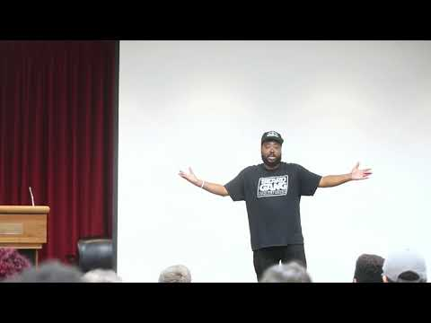 Reef The Lost Cauze speaks at Rider University