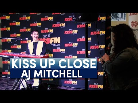 Chris Proctor - Kiss Up Close with AJ Mitchell