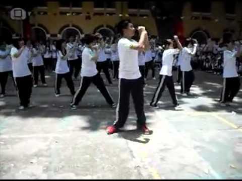 THPT MarieCurie 10D3 nhảy dân vũ - Múa gối