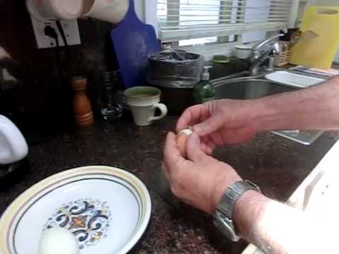 An Easy way to Peel a Hard Boiled Egg - in few seconds better than ...