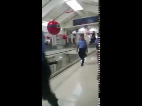 Policía sandinista invade centros comerciales de Managua