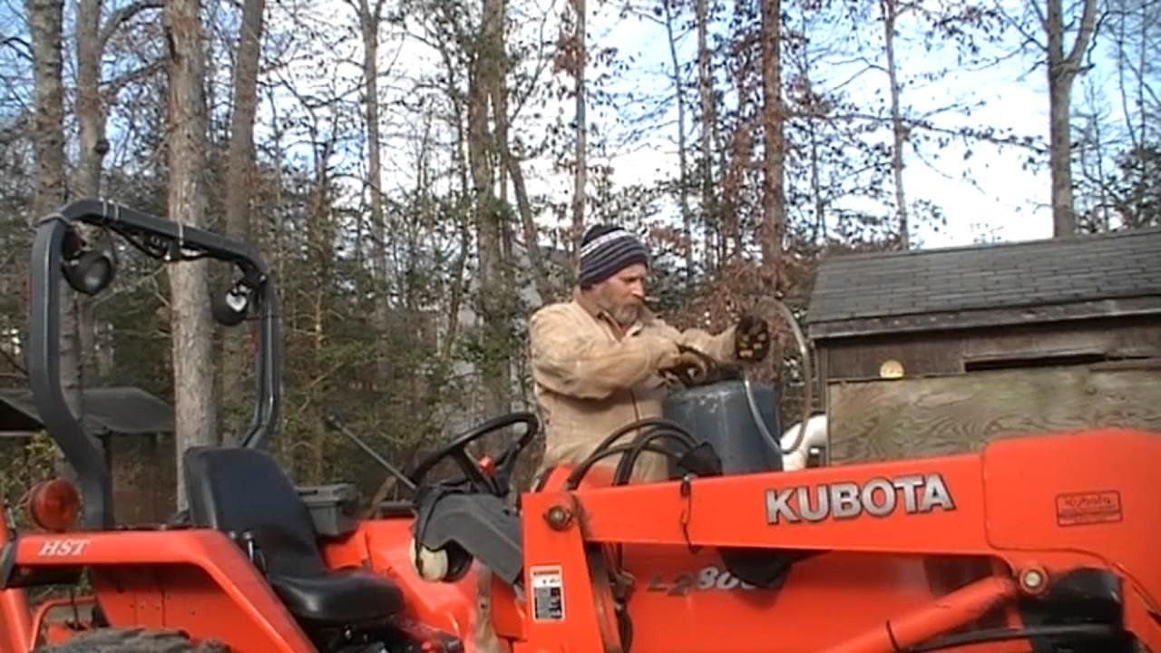 Kubota Tractor Fuel Tank : Fueling the kubota tractor easy way doovi