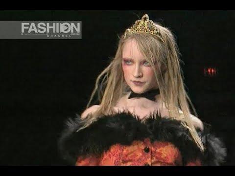 BETSEY JOHNSON Fall Winter 1997 1998 New York - Fashion Channel