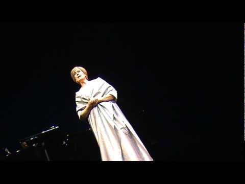 "Dame Kiri Te Kanawa sings ""Pokarekare Ana"" - Maori Folk Song"