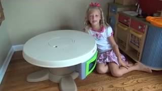 Baby Gizmo Fisher-price Servin Surprises Kitchen & Table Review