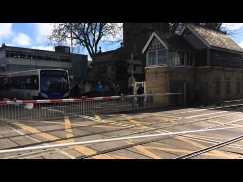 (720p) Lincoln Central Level Crossing (23/04/16)