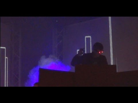 Kavinsky (Outrun Live) - Nightcall (final) - Live Beauregard 2014