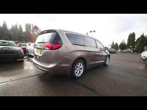 2018 Chrysler Pacifica Touring Plus | Molten Silver | JR175024 | Redmond | Seattle |