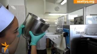 Мороженое из кумыса и шубата(Сеть кондитерских магазинов в Шымкенте готовит и продает мороженое из кумыса и шубата. Изготовление делика..., 2015-07-08T11:14:54.000Z)