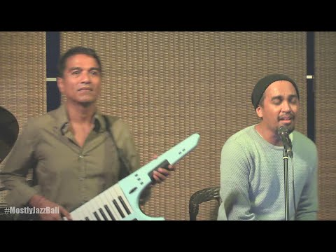 Indra Lesmana Keytar Trio ft. Glenn Fredly - Happy @ Mostly Jazz in Bali 24/01/2016 [HD]