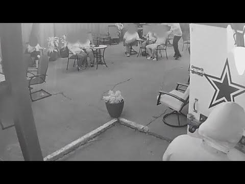 f7ae326972 Raw  Dramatic video of armed robbery before Fort Worth officer was shot